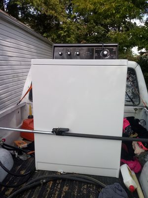 Kenmore washer. HAS 2 GO Today for Sale in St. Louis, MO