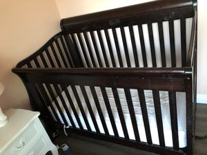 Baby Crib with 6 Drawer and book shelf for Sale in Dublin, CA