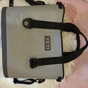 Yeti Cooler Bag Used Twice Excellent Condition Gray for Sale in Houston, TX