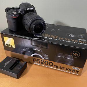 Nikon D5200 Digital SLR for Sale in Sterling Heights, MI