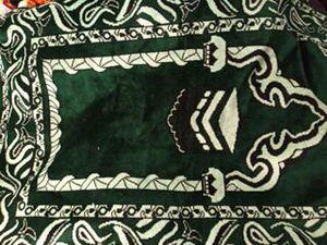 Prayer rugs from Kuwait for Sale in Phoenix, AZ