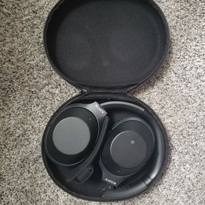 Sony WH 1000-XM2 Noise Cancelling Wireless Headphones for Sale in Arlington, VA