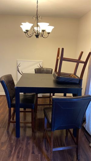 Dining room table and 4 matching chairs for Sale in Houston, TX