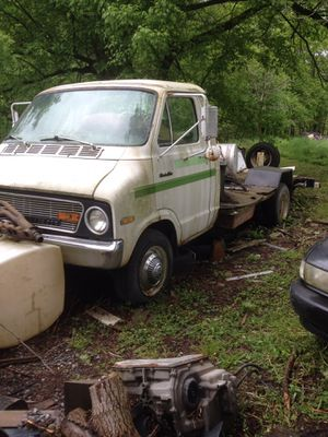 1974dodge Minnie Winnie motor home one ton chassis jasper rebuild 360 engine 30 over 904 trans starts and runs clear title for Sale in Beaver, WV