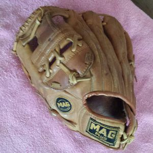 MAG Plus Softball Glove MP-2997 (LH Throwing) for Sale in Lawrenceville, GA