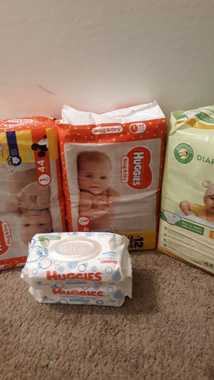 Diapers and wipes size 1 for Sale in Phoenix, AZ