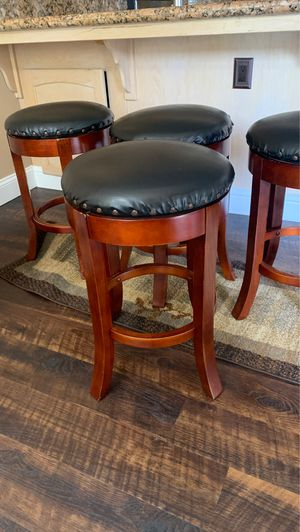 Bar stool 2'h for Sale in Fresno, CA