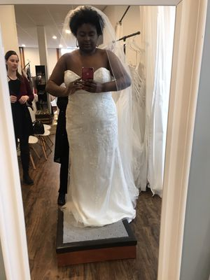 Maggie Sottero Wedding Dress, size 22 for Sale in Amesbury, MA