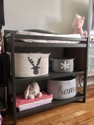Changing table like new + changing pad and linen. for Sale in New York, NY
