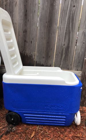 IGLOO Cooler for Sale in Carlsbad, CA