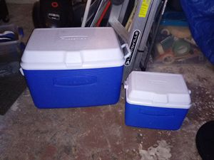 Rubbermaid cooler for Sale in Kissimmee, FL
