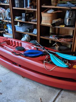 Pair Of Lifetime Tamarack 120 Kayaks for Sale in Chicago,  IL