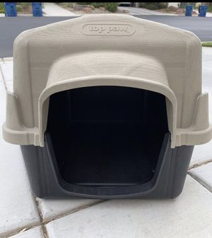 Top Paw Dog House for Sale in North Las Vegas, NV