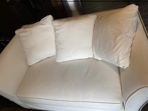 White Couch w/ Pull Out Bed (Pottery Barn) for Sale in Washington, DC