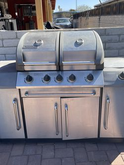 BBQ Grill With Cover for Sale in Tucson,  AZ