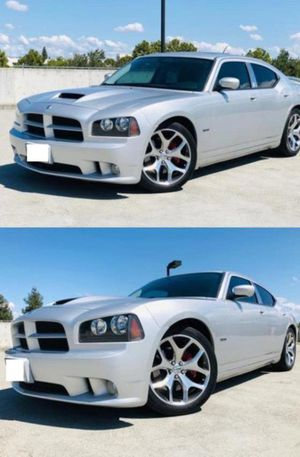 2006 Dodge Charger SRT8 price 1000$ for Sale in Harrisburg, PA