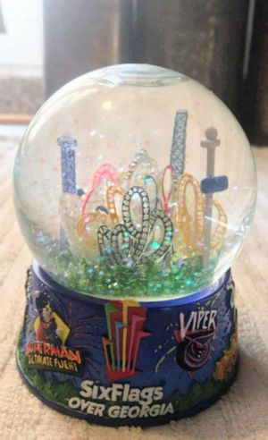 Six Flags over Georgia Snow Globe for Sale in Bloomington, IL