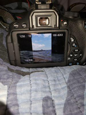 Canon t5i dslr camera for Sale in Woodbridge, VA