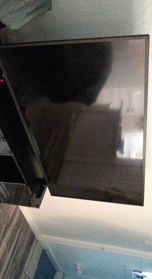 55 inch Insignia TV broken backlight for Sale in Orlando, FL