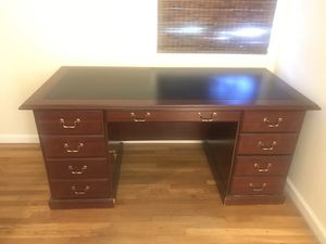 Desk and Hutch for Sale in San Diego, CA