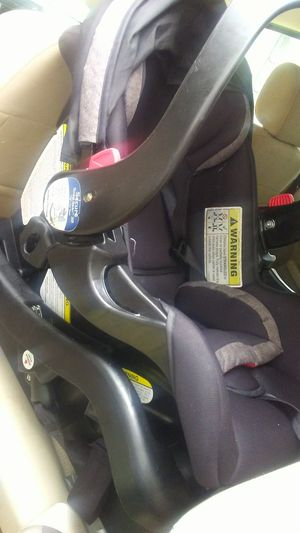 Car seat with base for Sale in Monroe, LA
