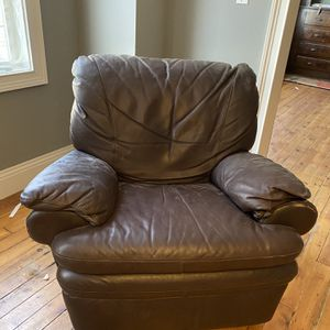 Leather Recliner for Sale in Pittsburgh, PA