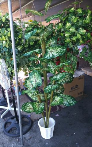 Artificial Caladium plant New for Sale in South Gate, CA