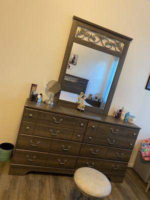 Bedroom set for Sale in Stone Ridge, VA