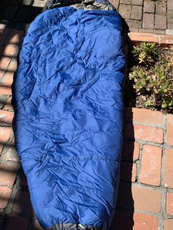 REI 0 degree Women's Synthetic Sleeping Bag for Sale in Los Angeles,  CA