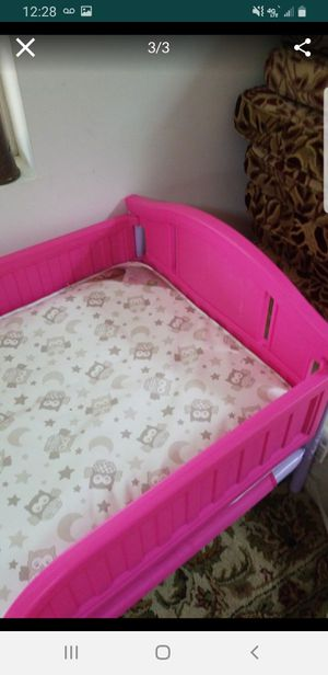 Toddler bed and mattress for Sale in Carbondale, IL