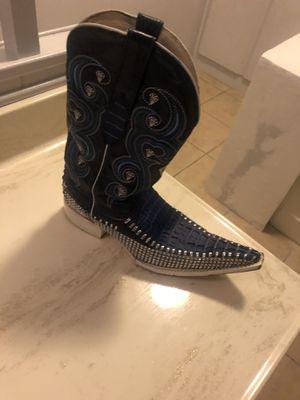 White diamond boots for Sale in San Bernardino, CA