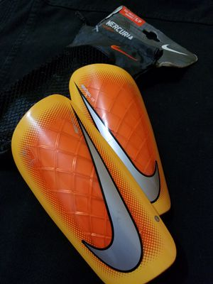 NIKE Mercurial LITE Futbol Soccer shin guards espinilleras Small for Sale in Long Beach, CA