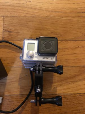 Go pro 3+ with charger and mounts for Sale in Los Angeles, CA