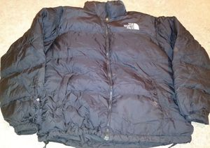 North face puffer jacket for Sale in Silver Spring, MD