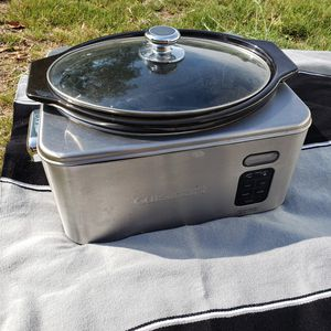 Electric crockpot with retractable cord for Sale in San Diego, CA