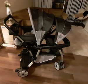 Double stroller Graco for Sale in Anaheim, CA