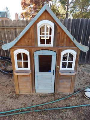 Toy house for Sale in Elk Grove, CA