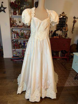 Vintage ivory wedding dress size 12 for Sale in Kernersville, NC
