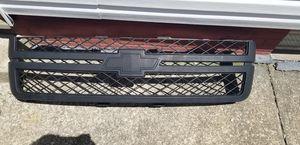 07-13 Chevy Silverado grille for Sale in Parma, OH