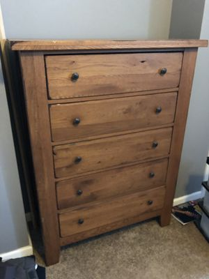 Attic Heirloom Broyhill Bedroom Set for Sale in St. Louis, MO