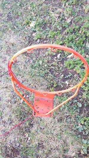 A basketball hoop very very good condition for Sale in Denver, CO