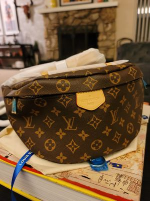 Louis Vuitton bum bag for Sale in Fullerton, CA