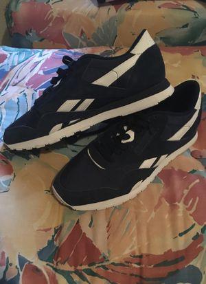 Reebok navy blue size 9 for Sale in Portland, OR