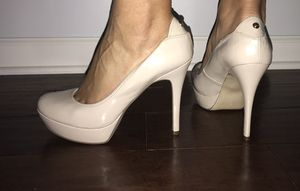 Nude GUESS Pumps! Size 10 for Sale in Germantown, MD