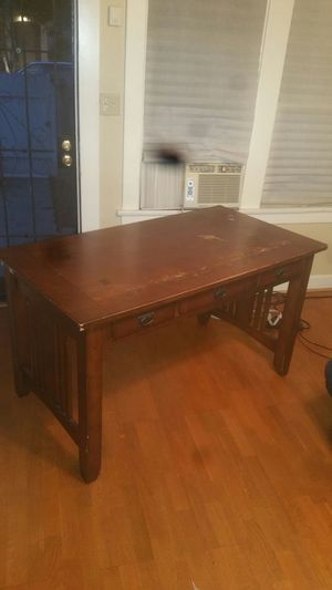Office desk Solid wood, super sturdy for Sale in Los Angeles, CA