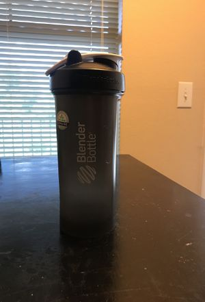 36 oz Blender Bottle for Sale in Austin, TX
