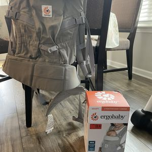 Ergobaby Baby Carrier. $100 for Sale in Fairview, TN