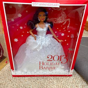 2013 Holiday Barbie unknown brand, Color Box Red Dress White Skin Color:brown Hair Color: Brown for Sale in Hinckley, IL