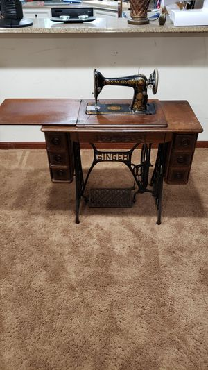 Antique Singer 1920 Sewing Machine Desk for Sale in South Barrington, IL