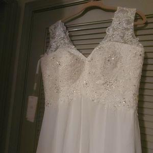 Wedding Dress for Sale in Suwanee, GA